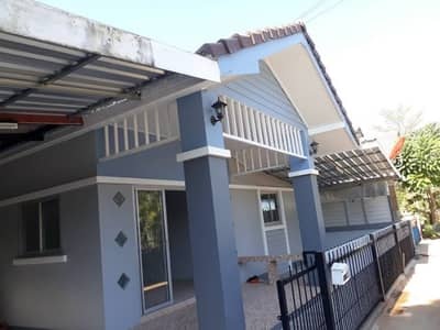 Cheap house for sale, 35 sq m. , 3 bedrooms, 2 bathrooms, 1 kitchen