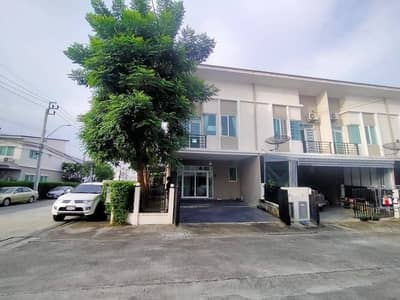 4 Bedroom Townhouse for Rent in Don Mueang, Bangkok - Urgent for rent Townhouse behind the corner of Casa City Village, Don Mueang, next to the main road, the village. livable environment have a good security system Nawong Pracha Phatthana Road, Thoet Rachan Road, Liab Klong Prapa Road and Vibhavadi Road, ne
