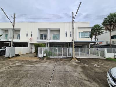 Townhouse for Sale in Mueang Chiang Mai, Chiangmai - (Property Code 2-2-hrs. -107) Townhouse 2 floors, Mae Hia Subdistrict, Mueang Chiang Mai District, Chiang Mai Province.