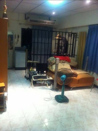 1 Bedroom Condo for Sale in Lat Phrao, Bangkok - The condo is worth the price, nice to live in, good environment.