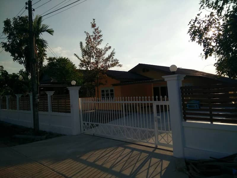 Urgent sale of a single house, shady atmosphere, quiet, not crowded, Muang District, Nong Khai Province