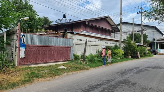 Home for Sale in Photharam, Ratchaburi - House for sale with land on the highway road, the best location