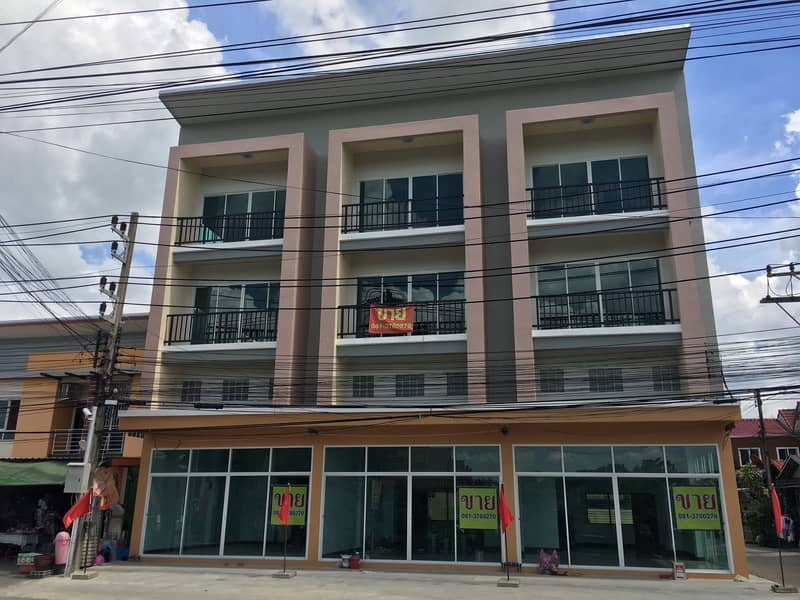 3-storey commercial building with mezzanine (located in Sam Phran District Nakhon Pathom Province)