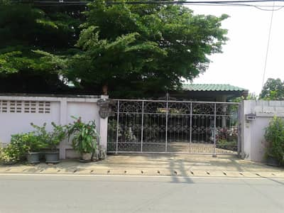 1 Bedroom Home for Sale in Mueang Phrae, Phrae - Beautiful house, good location, suitable for making a cute restaurant / coffee shop.