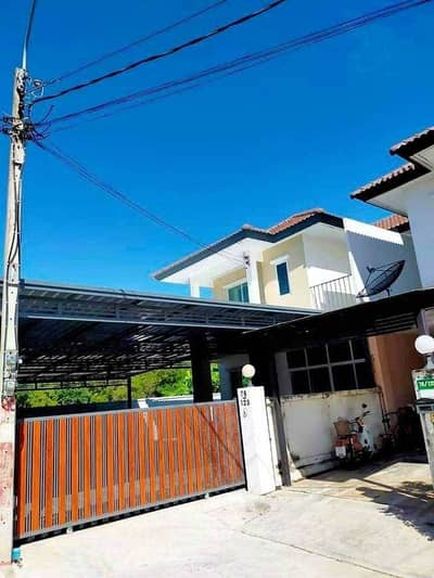 4 Bedroom Home for Sale in Nong Chok, Bangkok - 2 storey twin house for sale, Pirom Pirom Resort Village, behind the corner, newly renovated, ready to move in, Khu left, Nong Chok, Mitmaitri 2, near Nong Chok Market Parking for 4 cars in the house