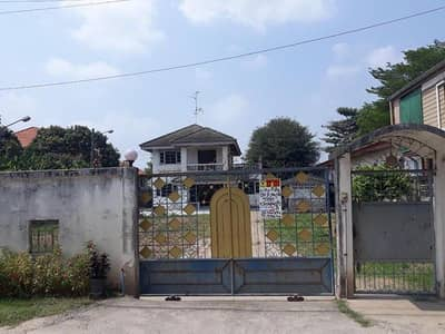 Land for Sale in Bang Bua Thong, Nonthaburi - 2 storey detached house for sale with a large land plot Soi Wat Leng Neng Yi