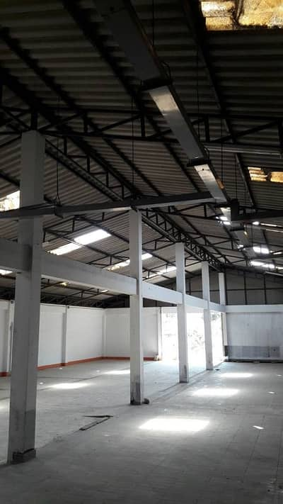 Storage space for rent, warehouse building, near Central Westgate