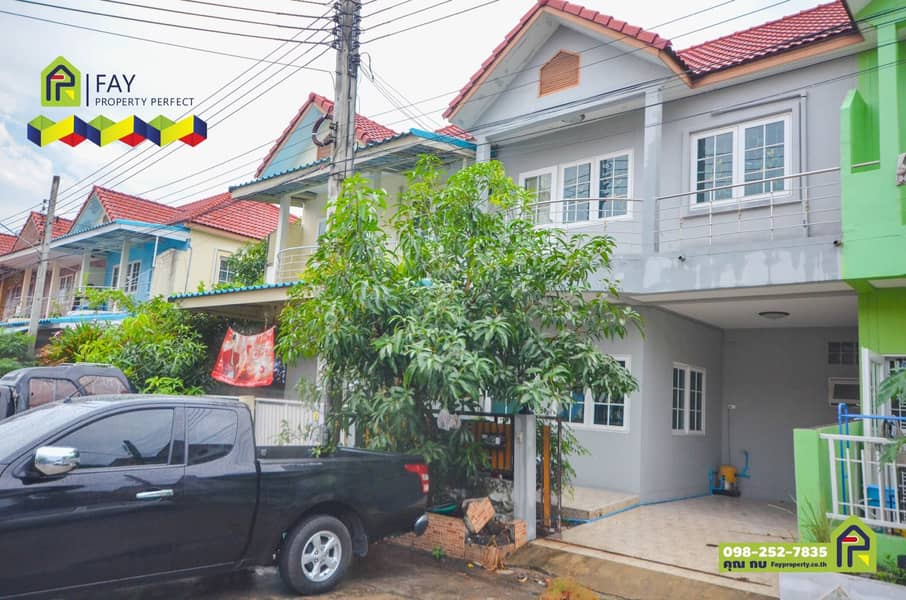 Townhouse for sale, Soi Mangkee, Nakee, Fueng Fah 11, Phase 9 with 3 bedrooms, 2 bathrooms, the main road, cheap projects, ready to move in. Selling below assessed