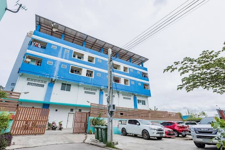 Room for rent, wide, cool, located in Soi Likit 7, Intersection 8, short, Bang Phli Yai Temple, Samut Prakan.