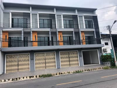 Office for Sale in Hat Yai, Songkhla - 3-storey commercial building for sale, commercial location