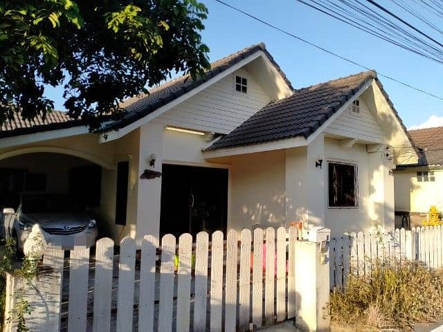 House for rent in the village near Pimuk 1, near the intersection Near Meechok Plaza