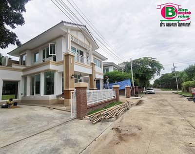 2-storey single house on the back of the Wararom Premium Project, Watcharapol-Chatuchot, area 79.4 sq m.