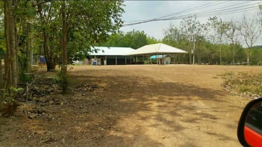 Land for Sale in Tha Takiap, Chachoengsao - Land for sale with 20 rai of rubber plantations, a 5-yard concrete road, electricity, water supply through the address in the community area next to the working pavilion.