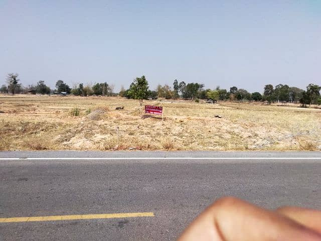 Land on the main road, beautiful location, can divide 2 jobs or take 1 rai.