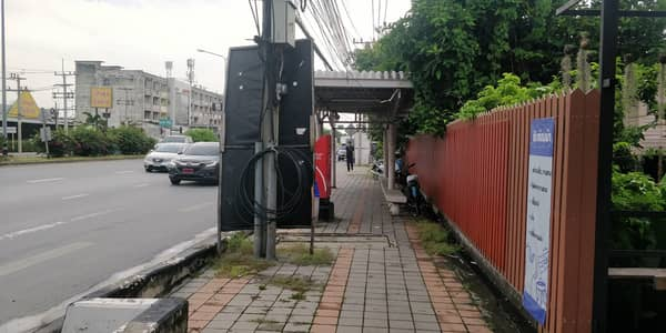 Commercial Space for Rent in Mueang Pathum Thani, Pathumthani - Advertising space