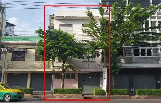 4-storey commercial building, 2 booths for rent on the main road, near Tha Din Daeng Market, Icon Siam, Wongwian Yai, suitable for residence