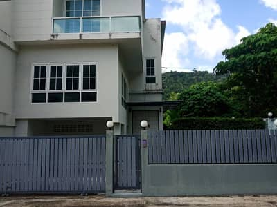 2 Bedroom Townhouse for Sale in Kathu, Phuket - Townhouse for sale or rent near Patong Beach.
