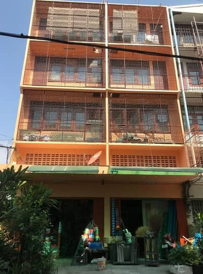 Commercial Building for Sale in Bang Sue, Bangkok - Commercial building for sale, 5 floors, 2 booths, with a deck area of 45 sq m, Soi Pracharat 10, Bang Sue, good location, suitable for commercial living, near Tao Poon Market, convenient to travel for sale.