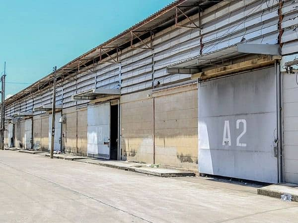 Warehouses for rent Located near Rama 2 Road, Samut Sakhon, size 323 368 676 1006 1036 1096 sqm. Near Central Rama 2 Portchino.