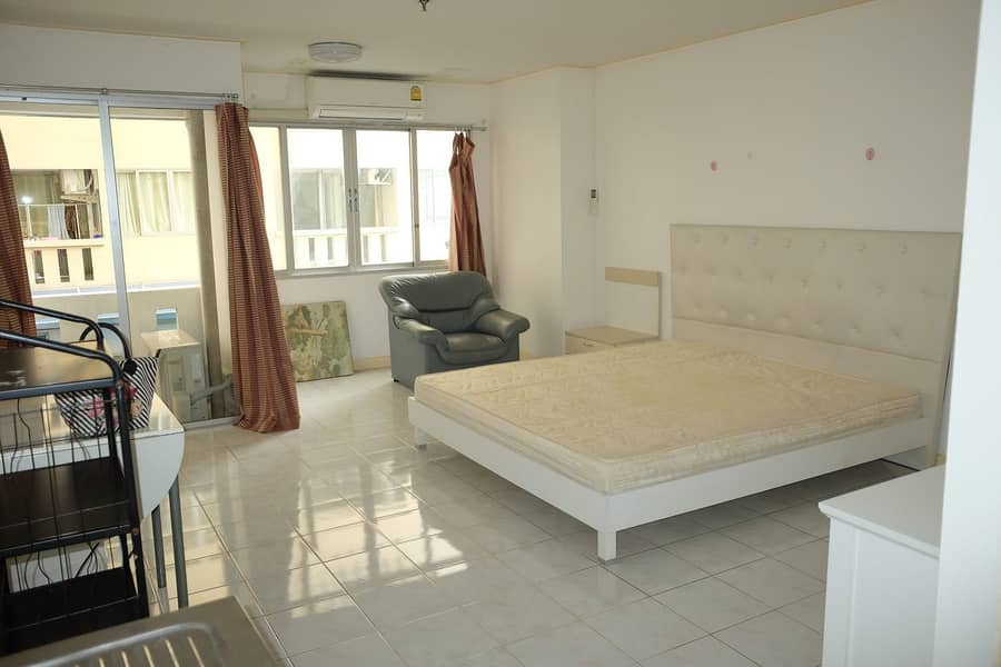 Condo for rent, Common Welch Pinklao, MRT Bang Yi Khan, near Piklao intersection Studio 30 sqm. Room ready to move in