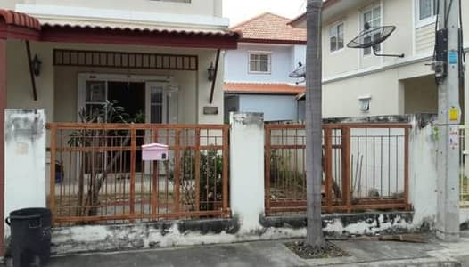 5 Bedroom Home for Rent in Mueang Samut Sakhon, Samutsakhon - House for rent, 5 bedrooms, 3 bathrooms, Kanda Park Village, Rama 2 Road, Km 8, the rent is 15,000 baht per month.