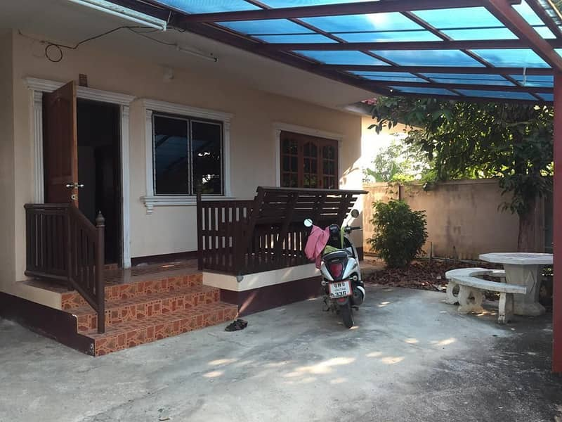Cheap house for rent Near Mae Hia market, 2 bedrooms, 1 bathroom, garden area and parking garage