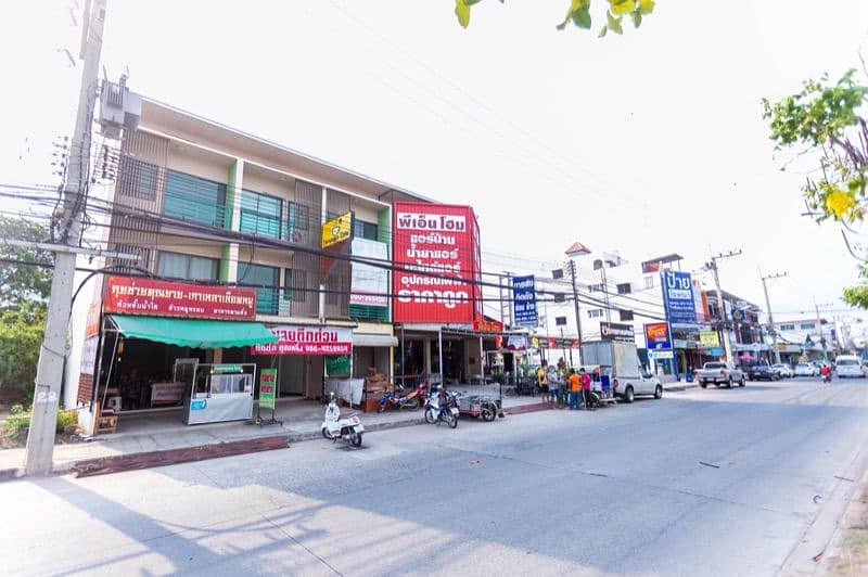 Commercial buildings, irrigation, trade, good location, new buildings, only rent 7,000