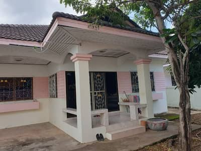 3 Bedroom Home for Sale in Mueang Udon Thani, Udonthani - The house in the middle of the city is very cheap.