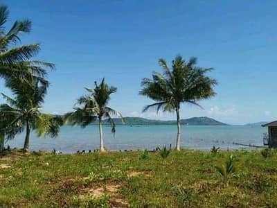Land for sale on the beach in Phuket, very beautiful.