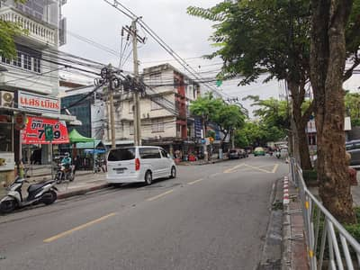 Commercial Building for Sale in Pathum Wan, Bangkok - Shophouse for sale, Chan Road, Soi 18