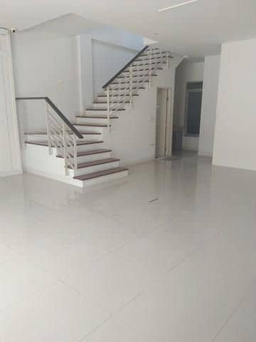 Townhome 4 for rent Back floor, corner, Ladprao 71 area Nakniwas Soi 10 Near along the express Near BTS Ladprao 71