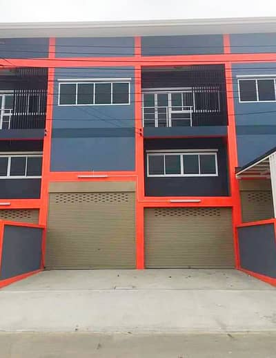 Office for Sale in Krathum Baen, Samutsakhon - Warehouse and office accommodation in the heart of Om Noi