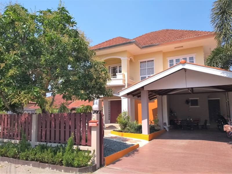 Two-storey detached house for sale, 3 bedrooms, 2 bathrooms, near the 3rd Ring Road, Doi Saket, price 2,700,000 baht, transfer fee 50 50 baht