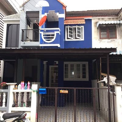 2 Bedroom Townhouse for Sale in Min Buri, Bangkok - Townhouse playing at Ram 170 level