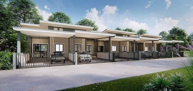 2 Bedroom Townhouse for Sale in Hat Yai, Songkhla - Townhouse style twin house with a fence around the house