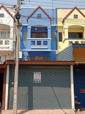 2 storey townhouse for sale and half behind Central Nakhon Ratchasima area of 18 square meters.