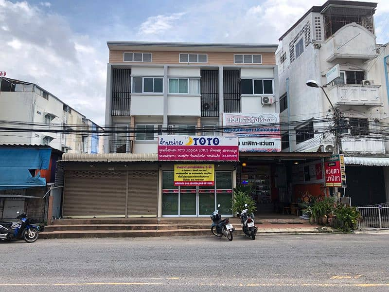 Selling commercial buildings, beautiful, good location, safe one