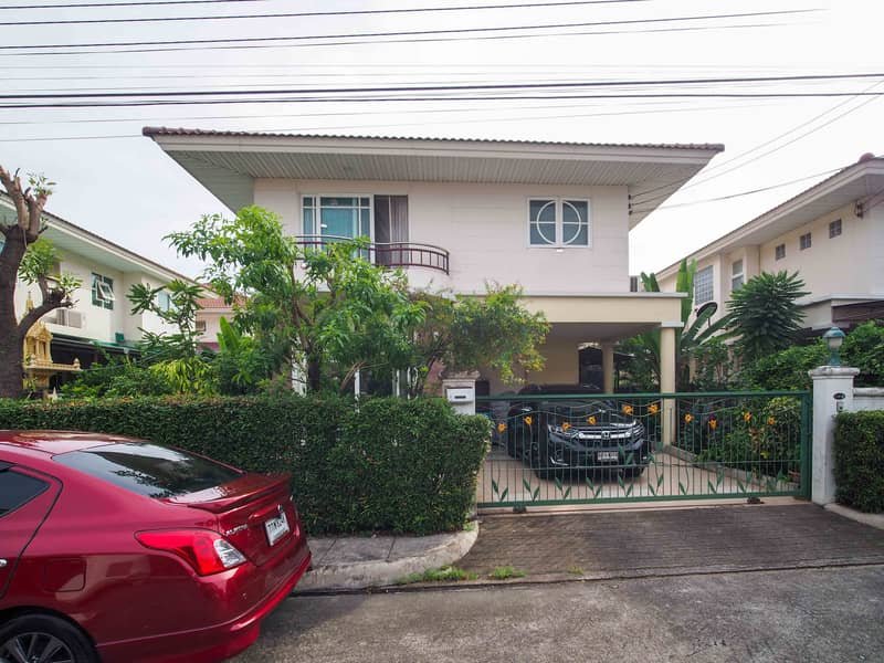 House For Sale Supalai Garden Ville 4 Br 3 Ba 71 sqw. Near Don Mueang Airport