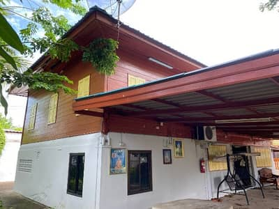 4 Bedroom Home for Sale in Mueang Sing Buri, Singburi - House with land
