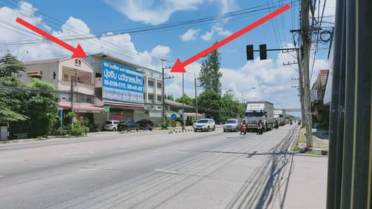 Commercial Building for Rent in Hang Dong, Chiangmai - For rent 1. Billboards 2.3 commercial buildings Next to Chiang Mai - Hang Dong Road