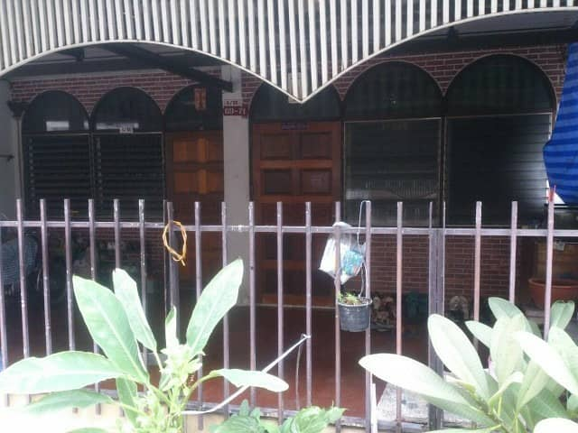Townhouse for sale in Din Daeng 3 floors, 6 bedrooms, 4 bathrooms, 2 living rooms