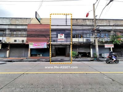 Commercial Building for Sale in Wang Thonglang, Bangkok - Commercial buildings for sale on Chokchai 4 Road, Soi 9, near the Social Work
