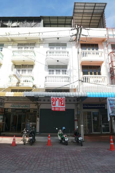 Commercial Building for Sale in Mueang Rayong, Rayong - อาคารพาณิชย์ 3ชั้นครึ่งปรับปรุงใหม่