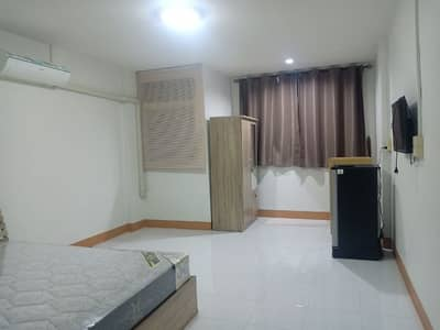 6 Bedroom Apartment for Sale in Mueang Suphan Buri, Suphanburi - Sell a good size dormitory urgently