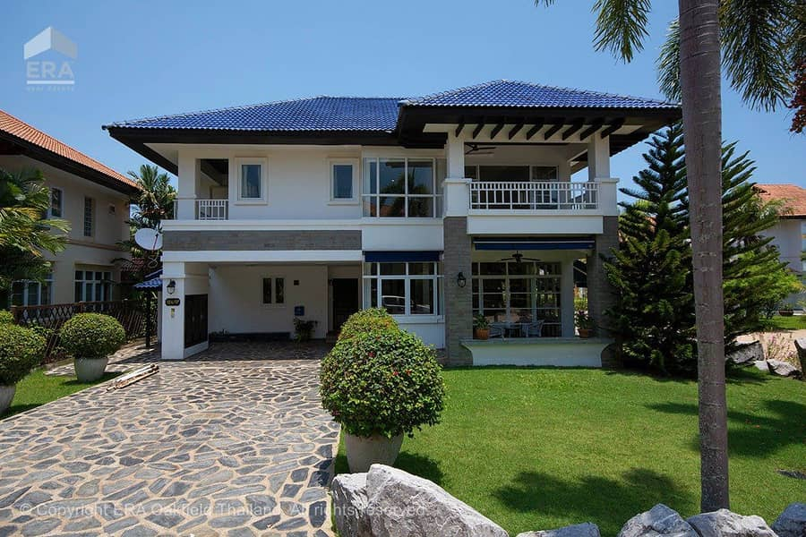 Spacious home within walking distance from Mae Phim beach 93756  **Leasehold only**