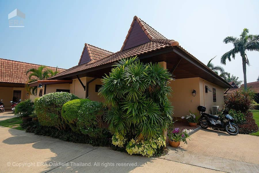 Pleasant home in peaceful Sunflower Residence in Mae Phim 93740 **Leasehold only**