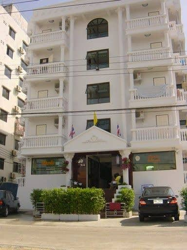 Room for rent monthly, Soi Sridan 19, next to Srinakarin Road