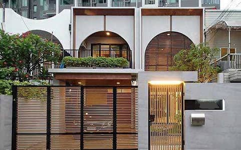 3 Bedroom Townhouse for Rent in Watthana, Bangkok - LTH2712 – Townhouse FOR RENT in Ekkamai area 3 beds 3 baths size 400 Sq. M. Nearby BTS Ekkamai Station ONLY 75k/Month