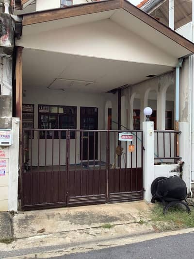 Townhouse for rent in Laksi