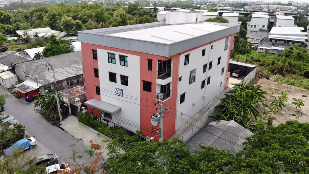 Selling a beautiful 4-storey building with land quick